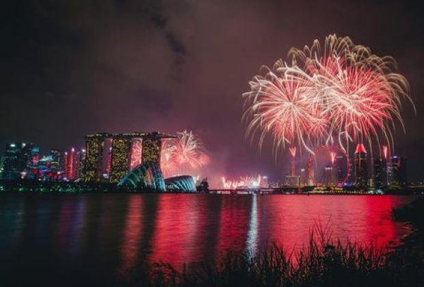 Fuegos-artificiales-conmemoracion-independencia-Singapur_MILIMA20150809_0201_11