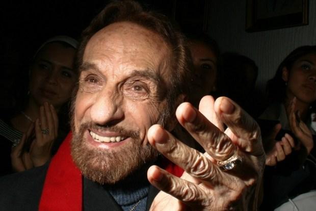 MƒXICO, D.F., 24JUNIO2008.- El actor de origen espa–ol German Robles recibi— un reconocimiento por su trayectoria artistica en la Asociaci—n Nacional de Locutores. FOTO: SASHENKA GUTIERREZ/CUARTOSCURO.COM