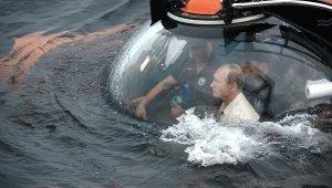 Путин-се-спусна-с-батискаф-на-дъното-на-Черно-море-в-близост-до-Севастопол