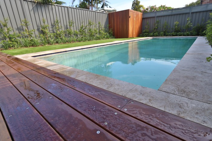 Garden pool surround in Brighton-Le-Sands