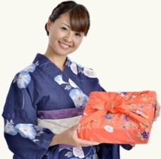 מתנה יפנית (למצולמת אין קשר בשיער)