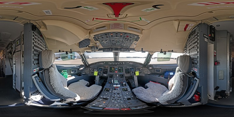 Cockpit-chris-witzani-pano-1600