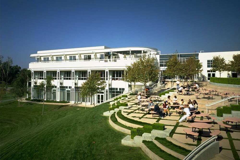 加州大學爾灣分校University of California,加利福尼亞大學歐文分校建于1965年,加利福尼亞大學歐文分校建于1965年,校舍持續規劃興建中 @ 申請輔導/留學代辦/國際學校/美國大學/親子育兒 ...