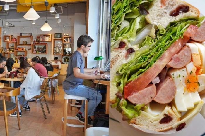Café Sora  台中教育大學旁的不限時咖啡廳,附早午餐、鬆餅,午後人超多,建議提早前往!