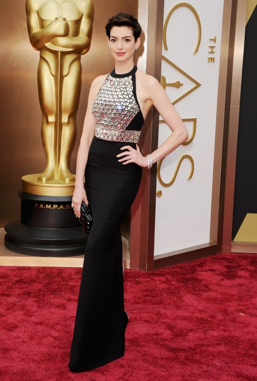Anne-Hathaway-Wearing-Gucci-Premiere-2014-OSCARS
