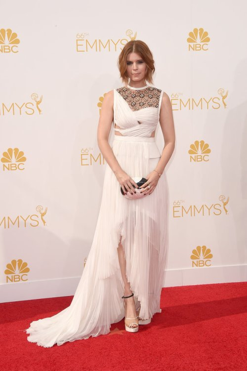 Kate-Mara-2014-Emmy-Awards
