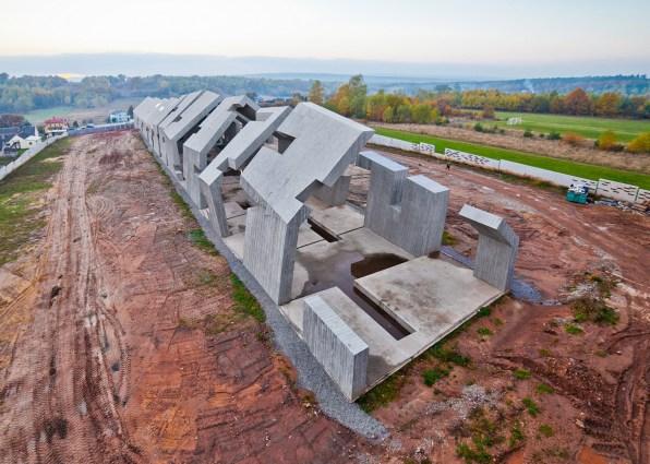 Mausoleum-of-the-Martyrdom-of-Polish-Villages-in-Michniow_Nizio-Design-International_dezeen_1568_2