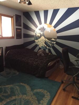 部屋にこんな絵を描いたよ〜! 「それ日本のハーケンクロイツだぞ!」日章旗をあしらった壁画をめぐって紛糾する海外掲示板