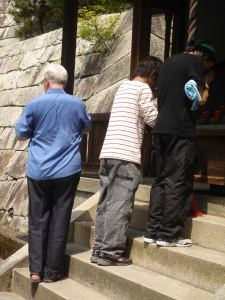 Ben Anderson @ Jishu shrine, Kyoto, 30 April 2005 (Foto Dave Lumenta)