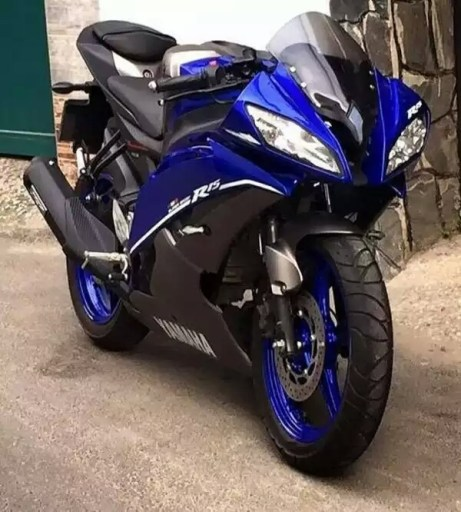 Yamaha-R15-modified-to-look-R6-c-600x666