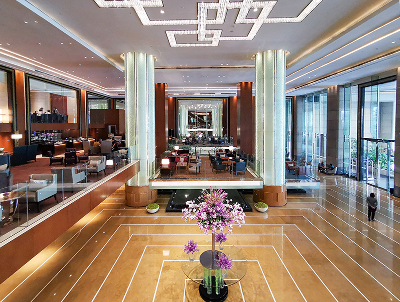 grand hyatt manila lobby