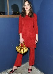 3E48C32800000578-4315058-Scarlet_woman_Dakota_Johnson_wore_red_to_the_Power_Stylists_Dinn-a-3_1489563278918