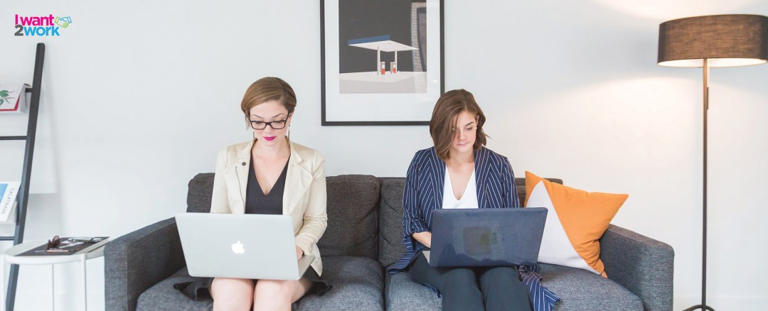 there are 2 types of people in the world, what does your email inbox say about you personality two girls sitting on a couch on their laptops
