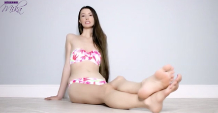 Empress_Mika_-_Feet_Or_Pussy_-_iWantClips.jpg