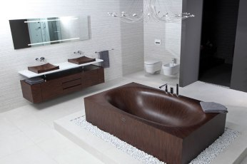 Elegant Bathtubs Made Entirely of Wood 01