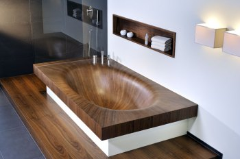 Elegant Bathtubs Made Entirely of Wood 07
