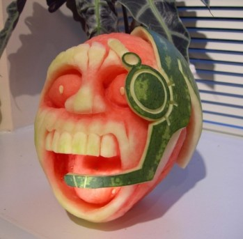 Clive-Cooper-Watermelon-carvings-11-600x590