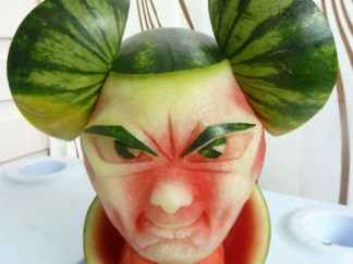 Clive-Cooper-Watermelon-carvings-8-600x450