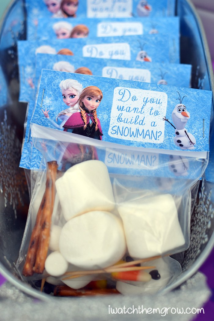 Do you want to build a snowman DIY party favor for Frozen birthday party