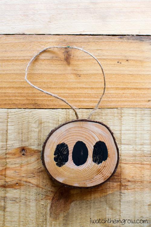 DIY natural air freshener gift with thumbprints is an adorable keepsake gift!