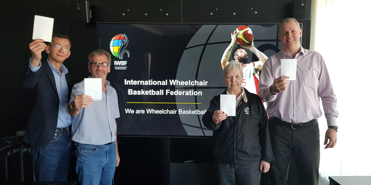 Wheelchair basketball community raises the #WhiteCard for #IDSDP2018