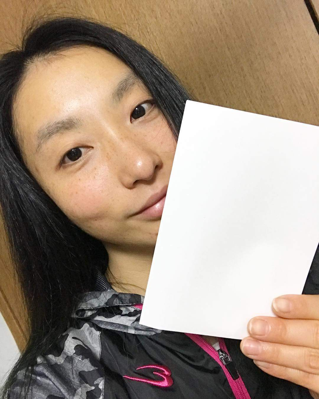 Japan's Mari Amimoto raises the #WhiteCard for #IDSDP2018