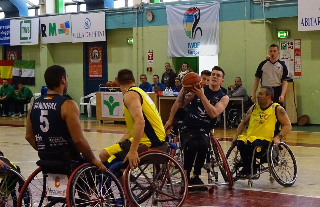 CP Mideba Extremadura take on Santa Lucia in the final of the 2019 EuroLeague 2 Finals