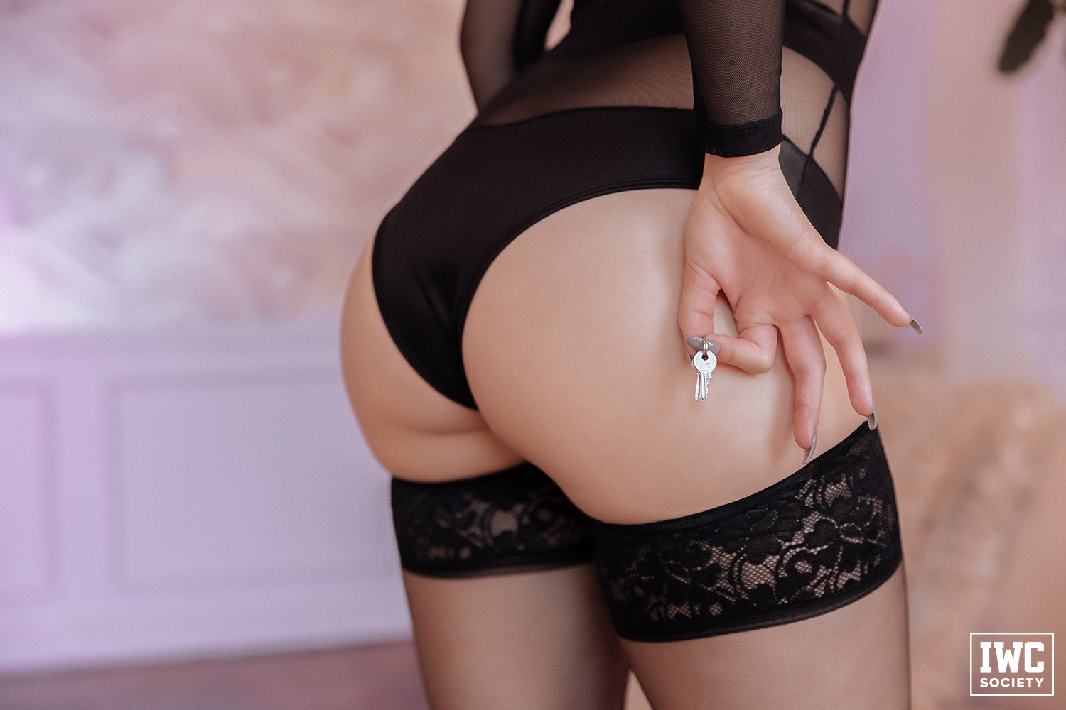 Princess Rea Rays showing off chastity keys and her butt in black panties