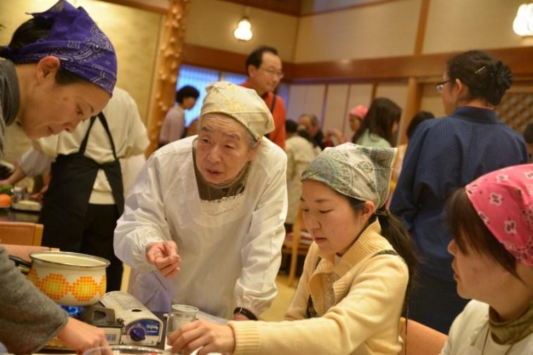 32 large - 2016年4月25日、佐藤初女先生を偲ぶ会開催しました。