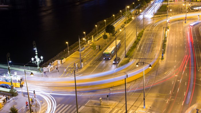 Light trails Gellert ter budapest