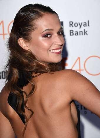 Alicia-Vikander--The-Danish-Girl-Premiere-at-2015-TIFF--21