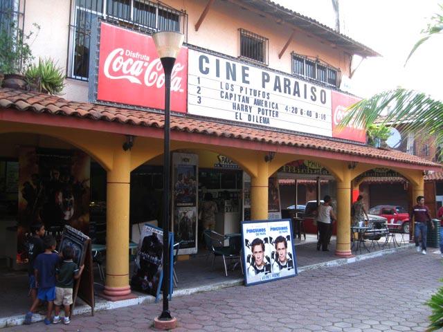 cinema-paraiso-zihuatanejo