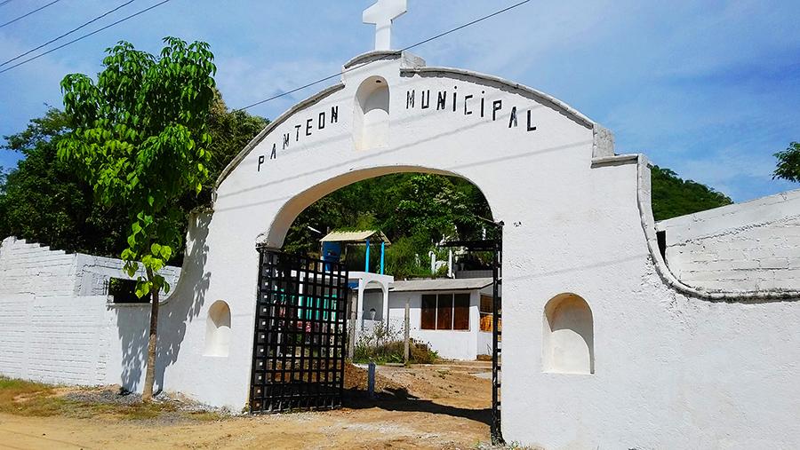 panteon-municipal-zihuatanejo