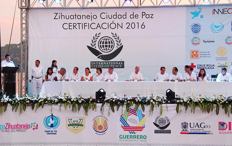 zihuatanejo-ciudad-de-paz-2