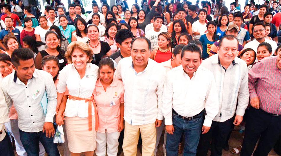 becas-estudiantes-indigenas-chilpancingo-2