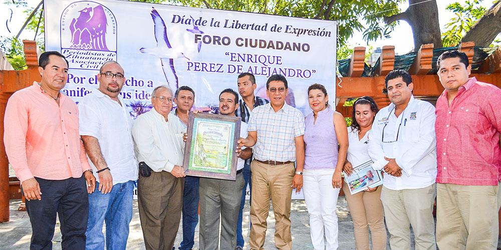 foro-ciudadano-periodistas-zihuatanejo