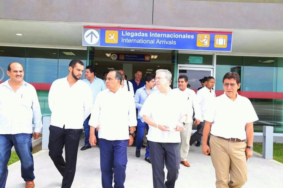 amplaicion-aeropuerto-zihuatanejo_002