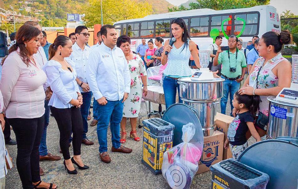 apoyos-dif-guerrro-if-zihuatanejo-.jpg