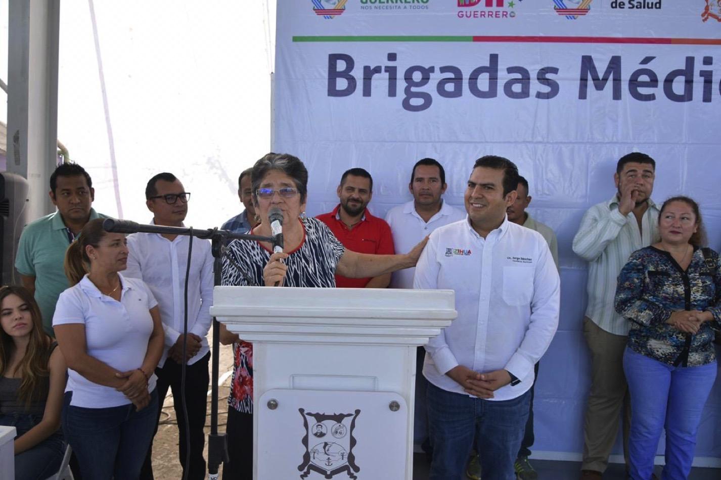 brigadas-medicas-pantla-zihuatanejo_001.jpg