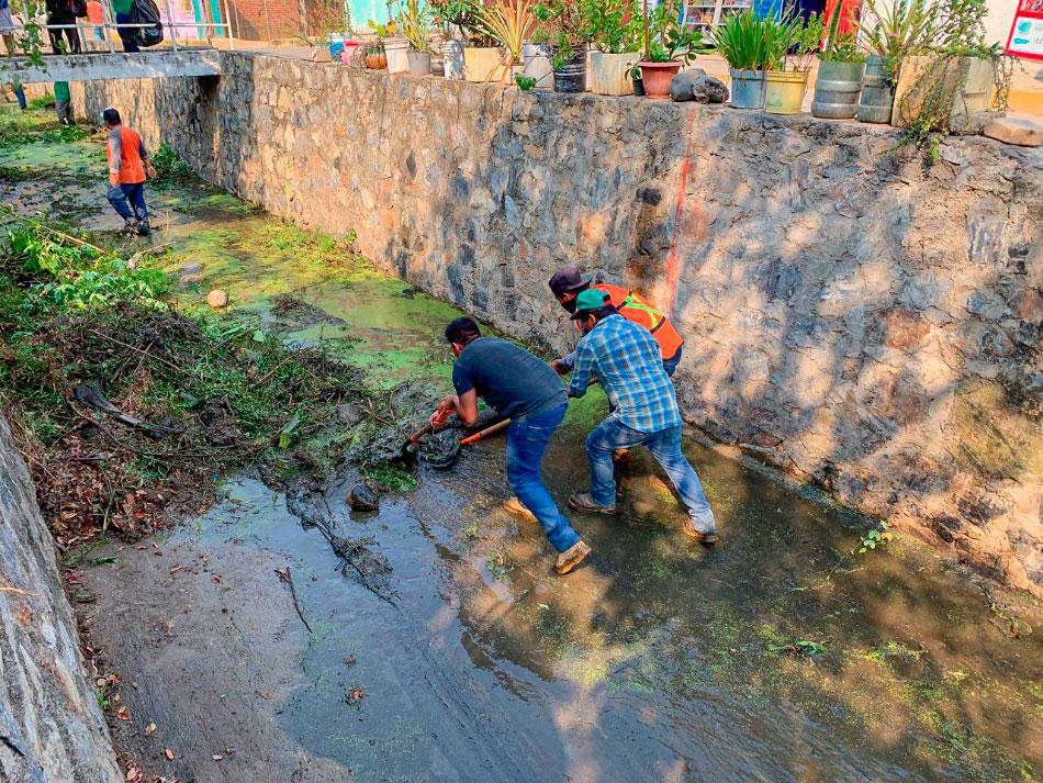 trabajos-limpieza-desazolve-pluvial-zihuatanejo.jpg
