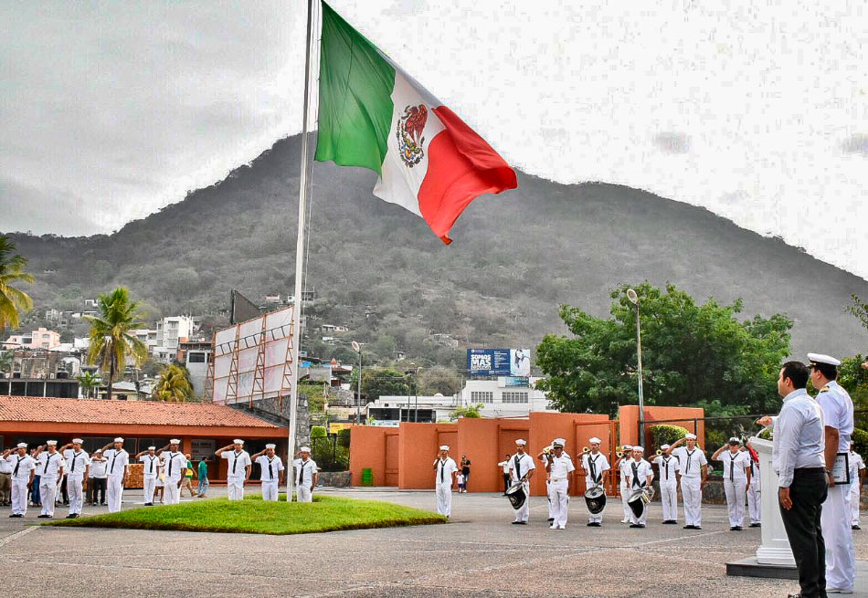 honores-bandera-zihuatanejo-junio-2019.jpg