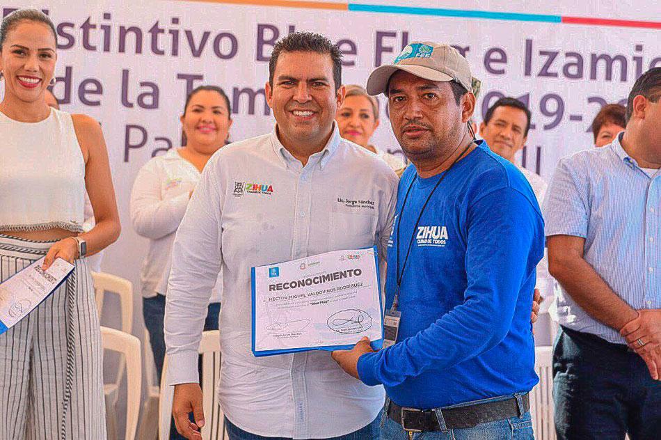 blue-flag-ixtapa-2019-2020--.jpg