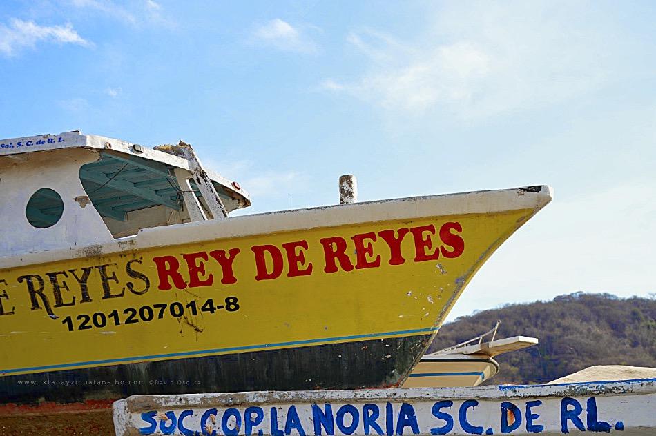 embarcacion-fondo-de-cristal-rey-de-reyes-zihuatanejo.jpg
