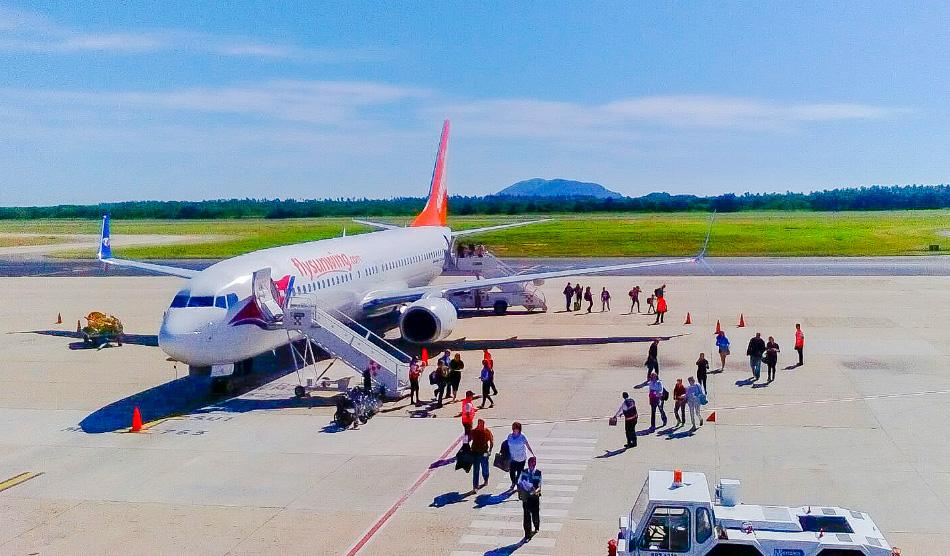 aerolinea-Sunwing-zihuatanejo-.jpg
