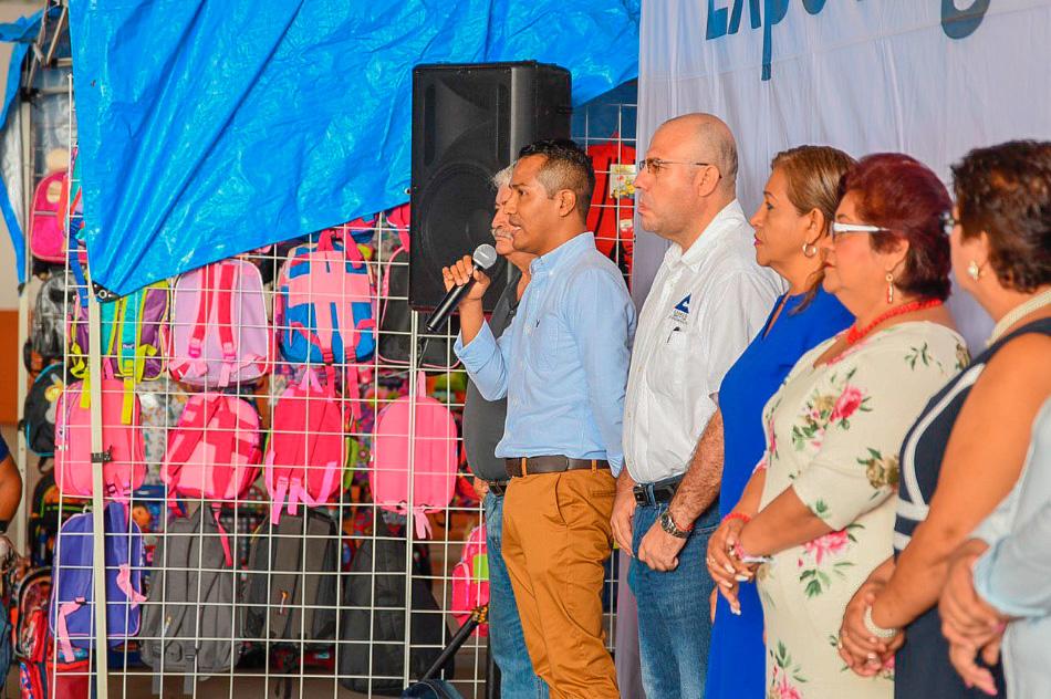 feria-regreso-clases-2019-zihuatanejo__.jpg