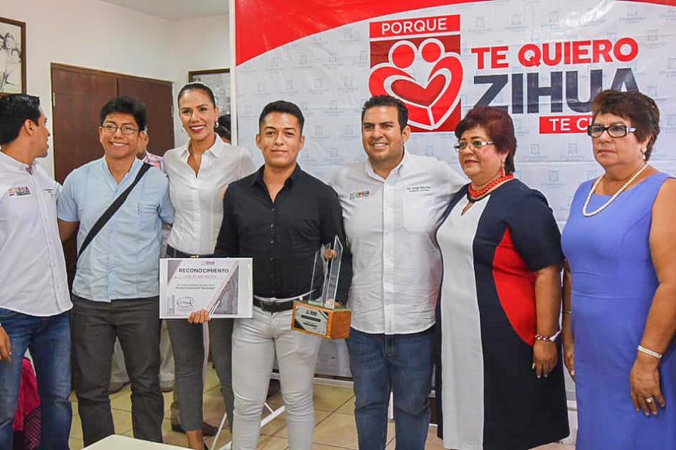 premio-juventud-zihuatanejo-2019.jpg
