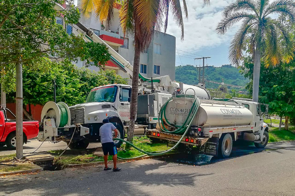 CAPAZ_limpia_colector_pluvial_zihuatanejo-.jpg