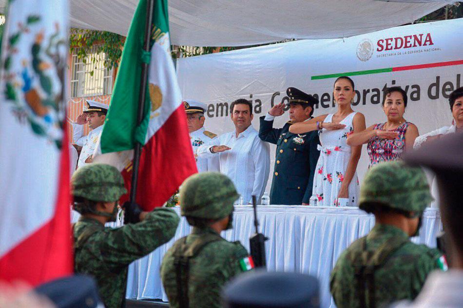 autoridades-constatan-desfile-zihuatanejo__.jpg