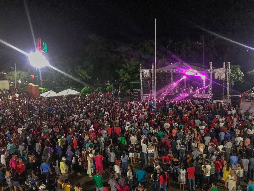 grito-independencia-zihuatanejo-2019---.jpg