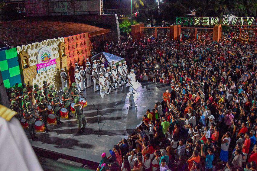 grito-independencia-zihuatanejo-2019_.jpg